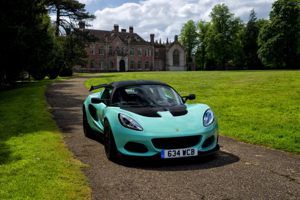The New Lotus Elise Cup 250 Offers A Scintillating Blend Of Purity Purpose With Performance At Apex Recently Revised Range